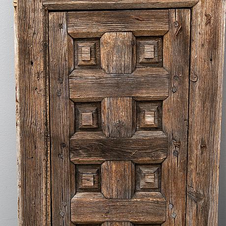 A pair of pine doors, dalarna, 18th/19th century.