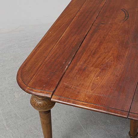 A table from the second half of the 19th century.