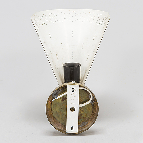 Paavo tynell, a mid-20th century 'k8-11' wall light for idman.
