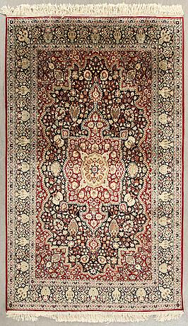 A semiantique silk keshan design carpet ca 190 x 126 cm.