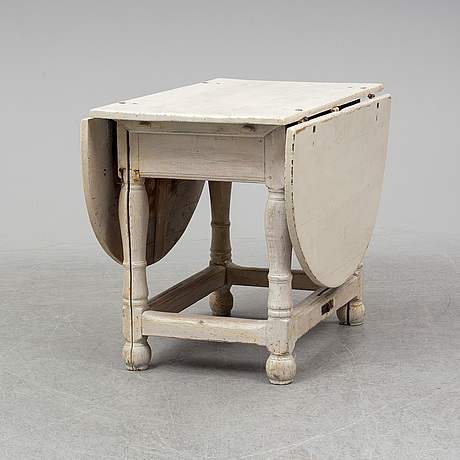 A painted gate-leg table, 18th/19th century.