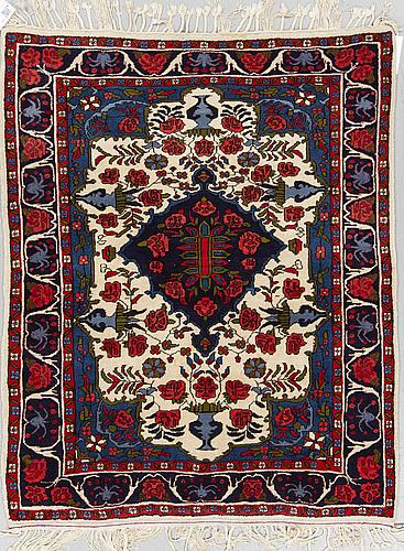 Matta, old orientalisk, ca 139 x 113 cm.