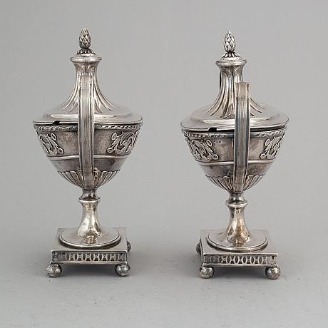 Samuel pettersson, sockerskålar med lock, ett par, silver, linköping 1887.