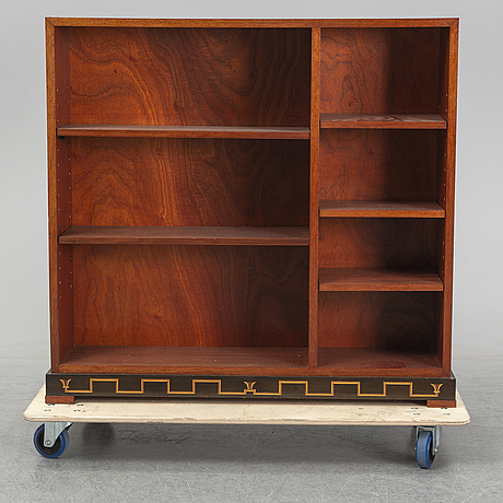 A 1920/30's mahogany bookshelf.