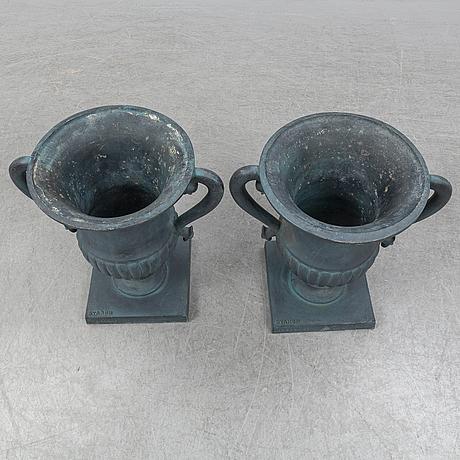 """TrÄdgÅrdurnor, ett par """"prakturnan"""", byarum, 2000-tal."""