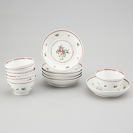 Six porcelain cups with dishes, 19th century.