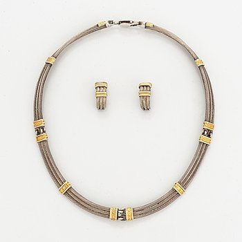 Necklace and earrings, silver.