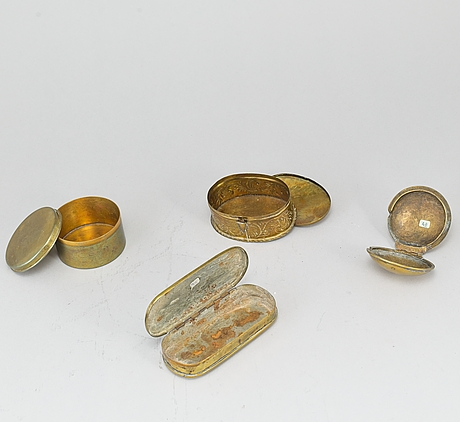 8 boxes, silver and brass, 19th/20th century.