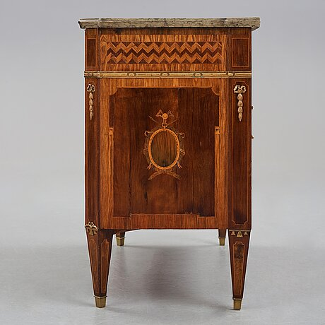 A gustavian late 18th century commode by anders lundelius, master 1778.