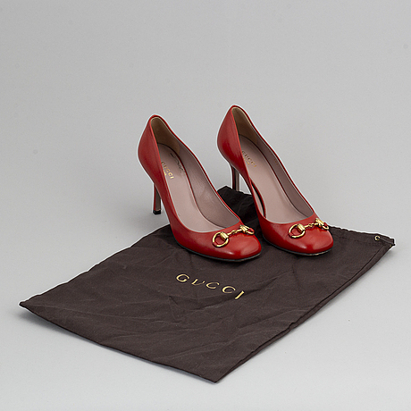 Gucci, red leather pumps, size 38 1/2.