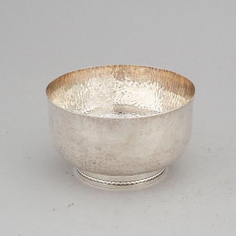 A silver bowl, inger råström, gab, eskilstuna 1996.
