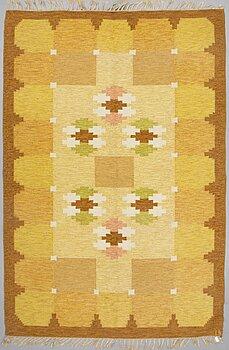 A CARPET flat weave, signed IS (Ingegerd Silow), ca 286 x 193 cm.