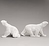 Two lomonosov polar bears in porcelain, soviet 1970s-1980s.