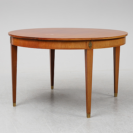 A mahogany veneered gustavian style ining table, mid 20th century,