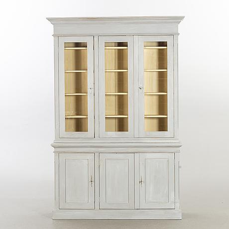 A cupboard ca 1900.