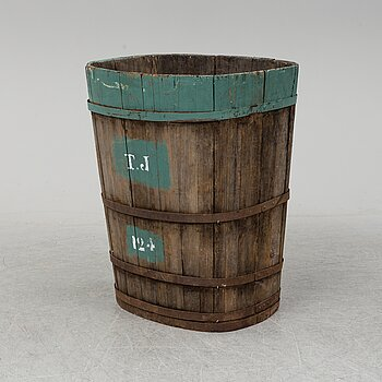A grape container. 20th Century.