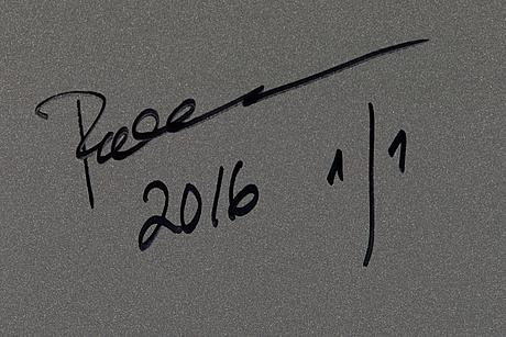 Paola suhonen, värivedos lasille, a tergo signeerattu ja päivätty 2016, numeroitu 1/1.