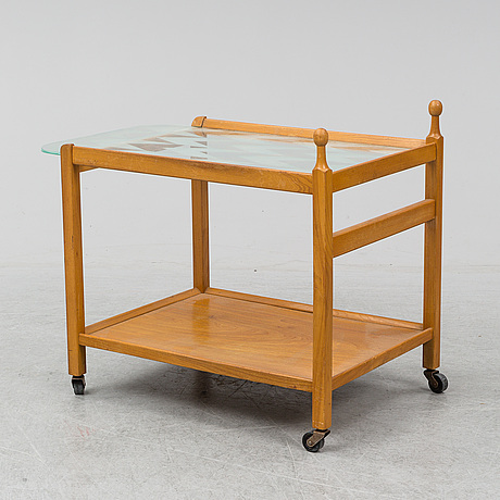 A late 20th century trolley.
