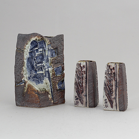 Carl-harry stÅlhane, a set of three stoneware vases from the second half of the 20th century.