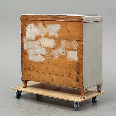 A chest of drawers from the mid 19th century.