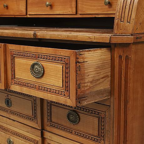 An early 19th century bureau.