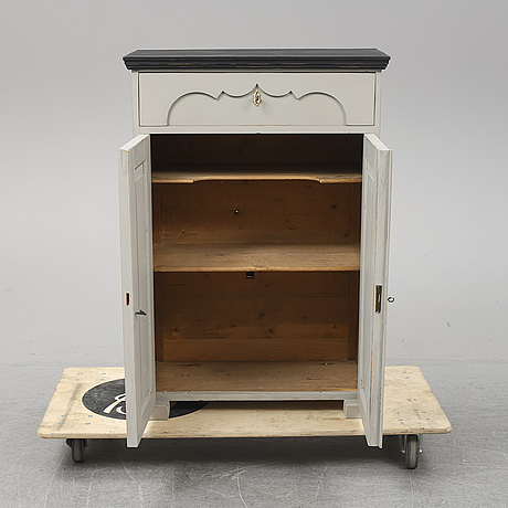 A early 20th century sideboard.