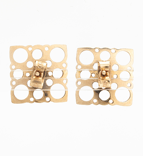 Liisa vitali, a pair of 14k gold earrings. westerback, helsinki 1972.