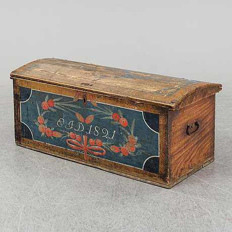 A painted pine chest from bohuslän, dated 1821.