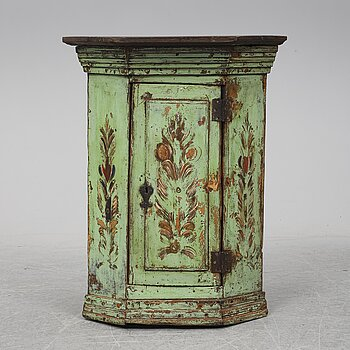 A painted pine cornr cabinet, 19th Century.