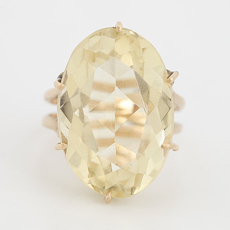 Citrine and gold cocktail ring.