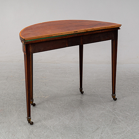 A card table, england, 19th century.