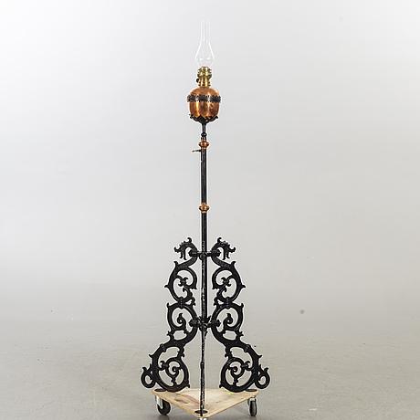 Golvfotogenlampa 1900-tal.