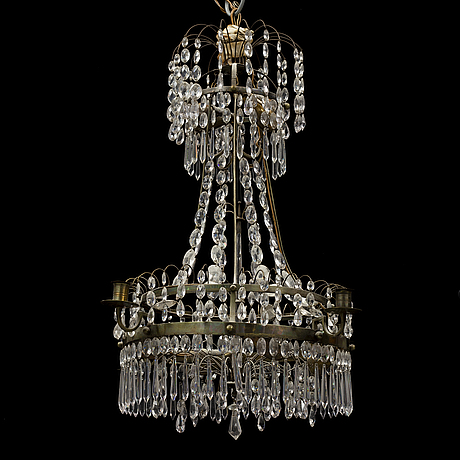A 20th century gustavian style chandelier.