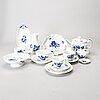 Servisdelar, porslin, 44 delar, blå blomst, royal copenhagen.