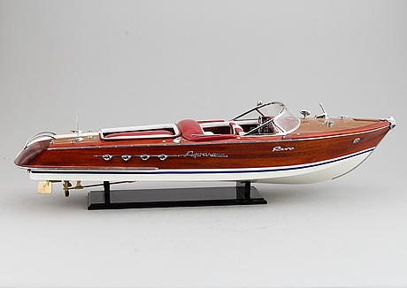 A boat modell of a riva, 20th centruy.