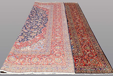 A carpet, kashan, ca 439 x 318 cm.