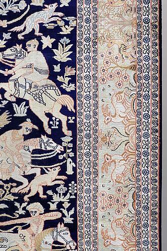 Matta figural silke kashmir, ca 263 x 179 cm.