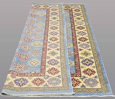Matta, kazak design 300 x 198 cm.