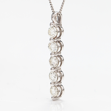 A 14k white gold necklace with diamonds ca. 1.0 ct in total.