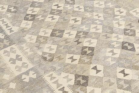 A carpet, kilim, ca 300 x 188 cm.