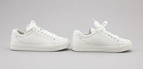 Prada, a pair of leather sneakers, size 35,5.