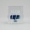 Oiva toikka, an annual glass cube, nuutajärvi, finland 1990.