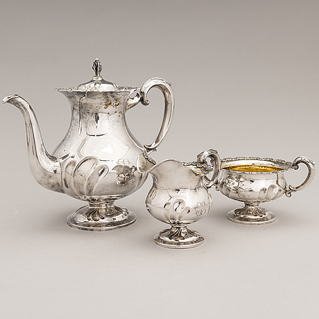 A 3-piece silver coffee set, auran kultaseppä oy, turku 1961 and 1965.