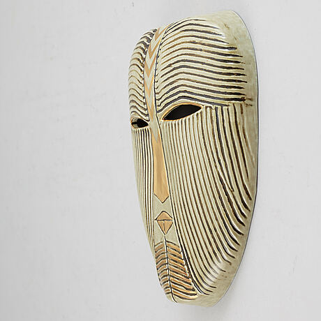 Lisa larson, a stoneware mask, k-studion, gustavsberg.