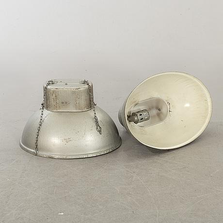 Industrilampor 2 st 1900-talets mitt/andra hälft.