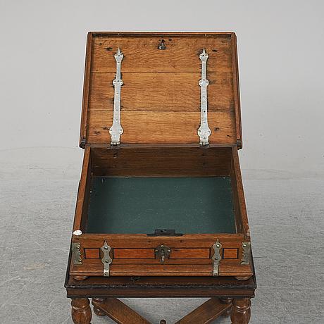Skrin / schatull, omkring år 1800.
