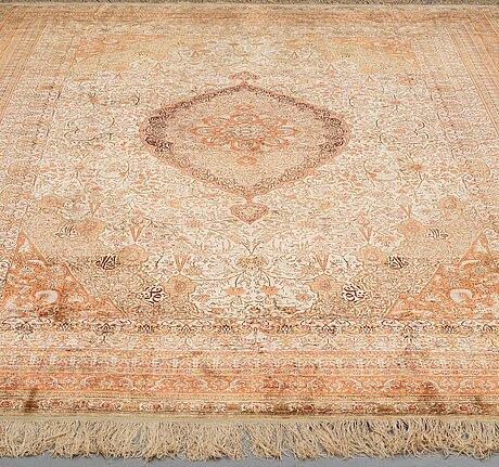 A carpet, semi-antique/old turkey, ca 326 x 220,5 cm.