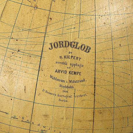 Stor jordglob, h. kiepert, arvid kempe, wahlström & widstrand, stockholm, 1909.