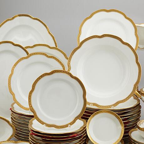 A 185 pcs porcelain dinner service from frank haviland, limoges.