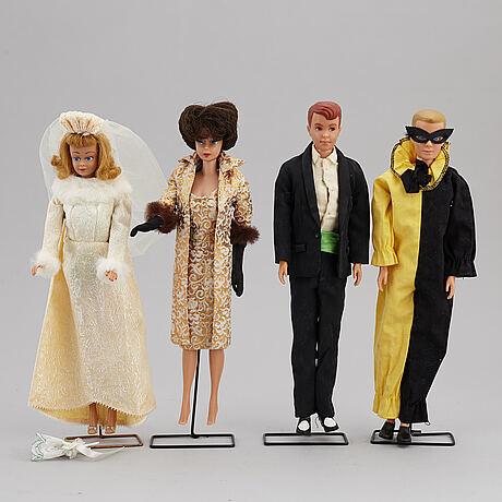 Barbiedockor, 4 st, samt accessoarer, mattel, 1960-tal.